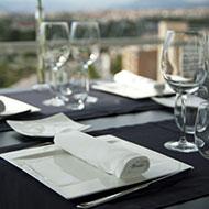 3-Prepara la mesa-angulas-rio-mino